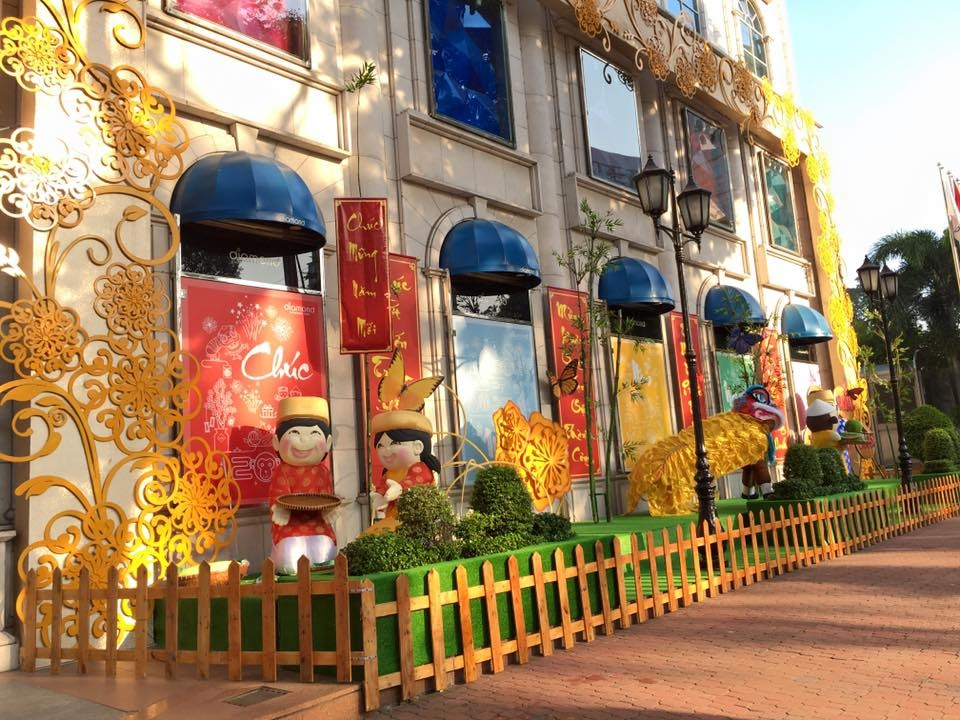 Diamond Plaza trang trí siêu đẹp để khách hàng sống ảo