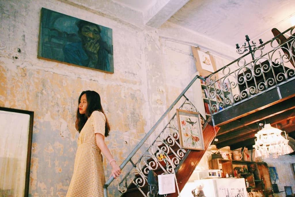 """Đi xuống cầu thang cũng có ngay bức ảnh """"nghệ"""""""