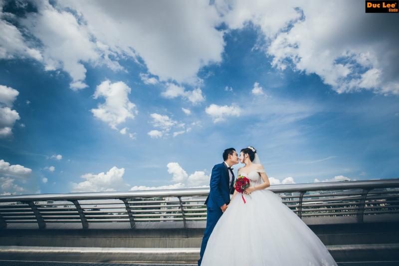 Chụp ảnh cưới tại khu đô thị Phú Mỹ Hưng
