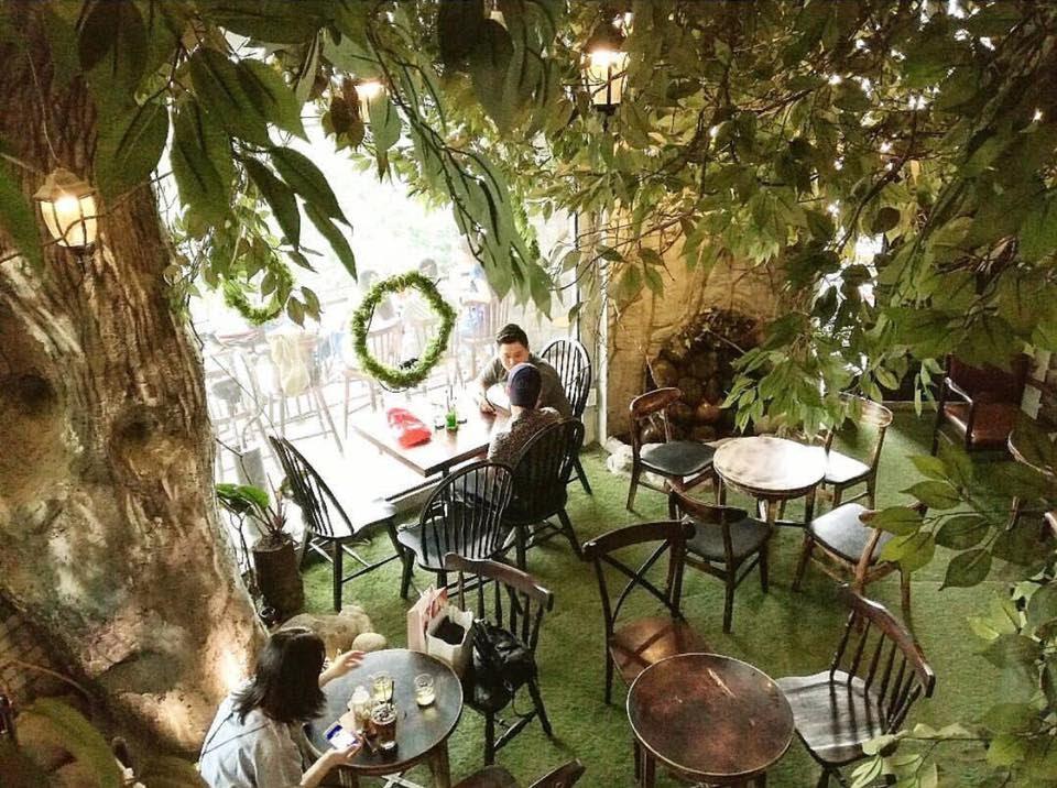 Bất kỳ góc nào tại 1st Garden Cafe & Bistro đều có thể cho ra đời bức ảnh đẹp