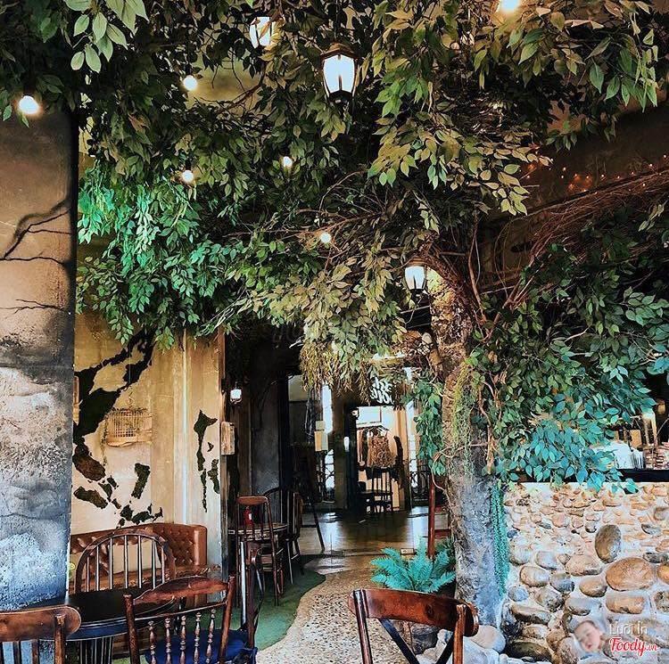 1st Garden Cafe & Bistro mang vẻ đẹp đầy huyền bí