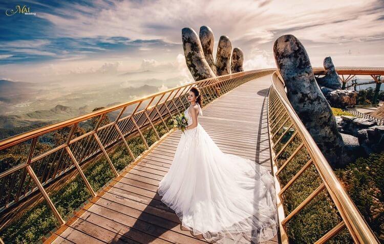 Cầu Vàng - điểm du lịch mới nổi tại Đà Nẵng