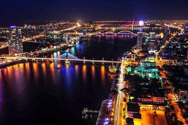 Vẻ đẹp rực rỡ của sông Hàn về đêm