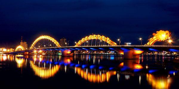 Vẻ đẹp rực rỡ của cầu Rồng Đà Nẵng