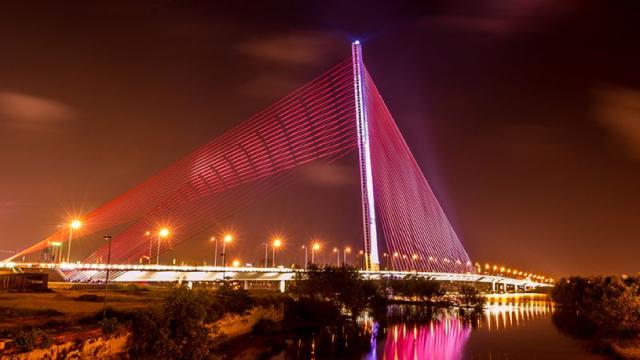 Cầu Trần Thị Lý, Đà Nẵng về đêm