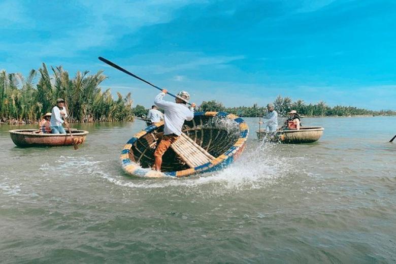 Đi du lịch rừng bảy mẫu tại Đà Nẵng