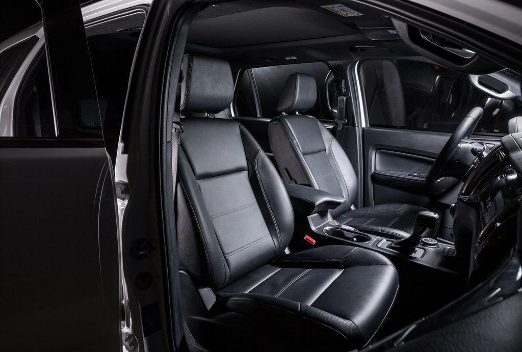 Một số phiên bản Ford Everest 2019 sử dụng ghế ngồi bọc da