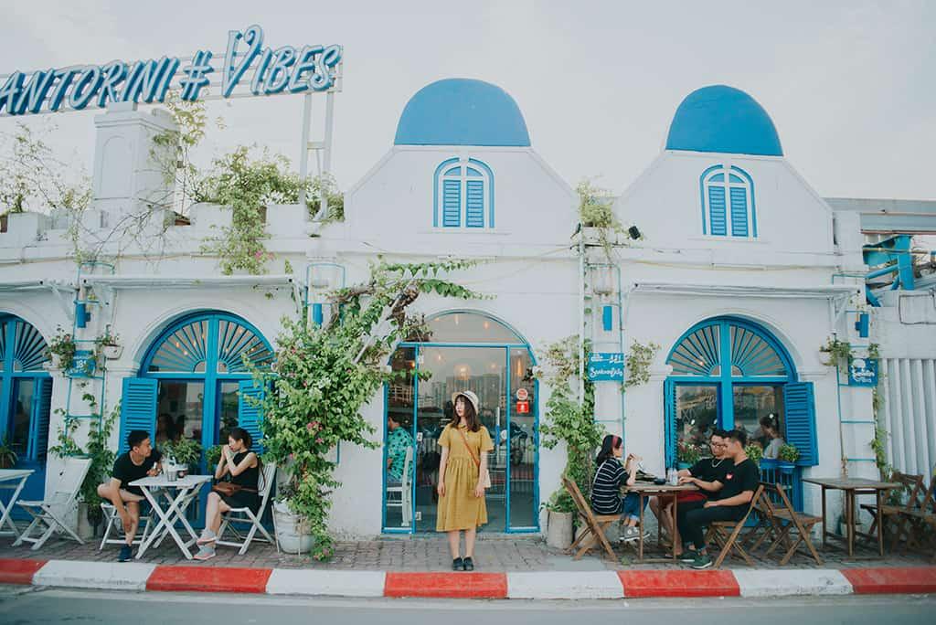 Santorini Vibes - Quán cafe đẹp và yên bình giữa lòng Hà Nội