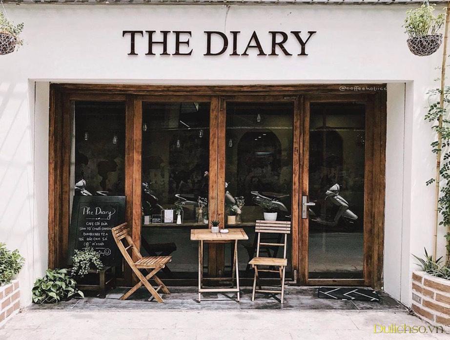 Bên ngoài quán cafe The Diary Hà Nội