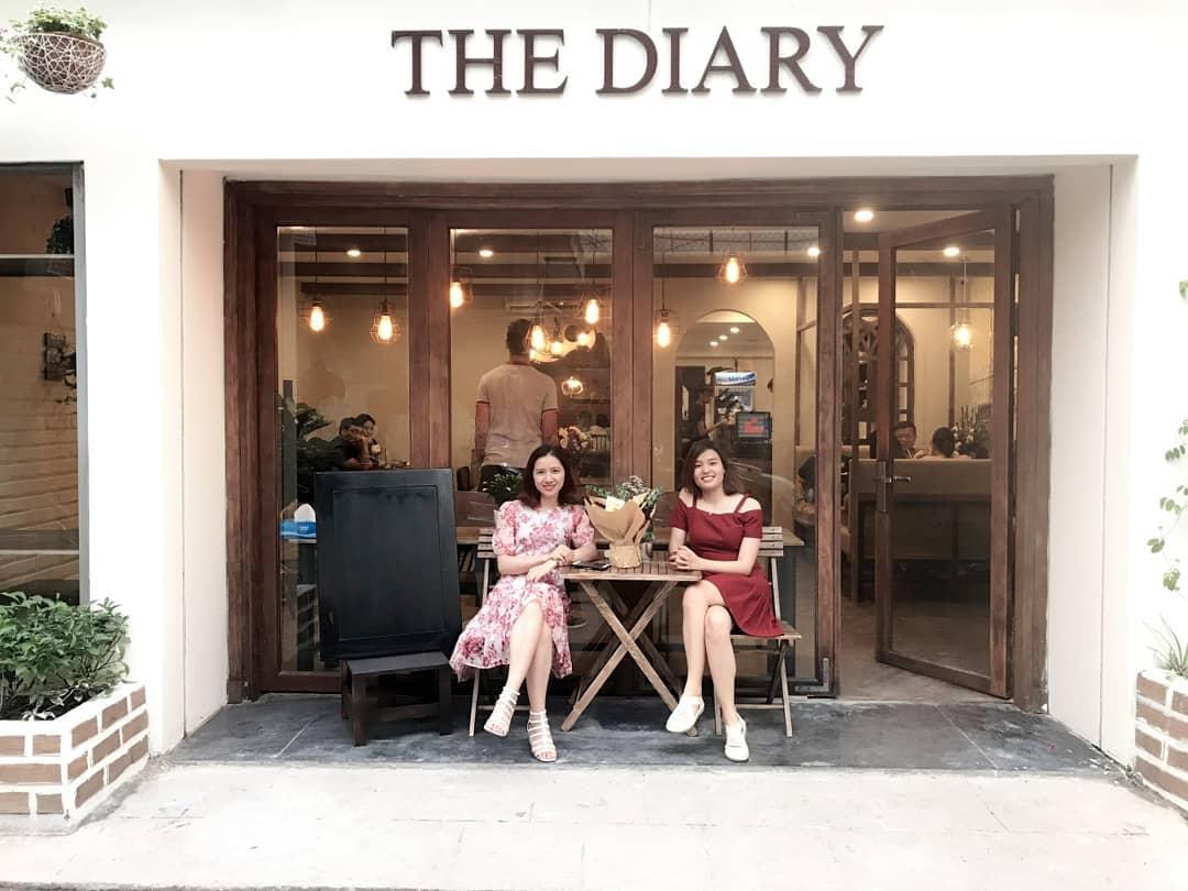 Check - in cùng bạn bè tại The Diary