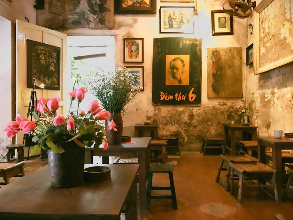 Ngắm nhìn Hà Nội xưa qua Cafe Cuối Ngõ