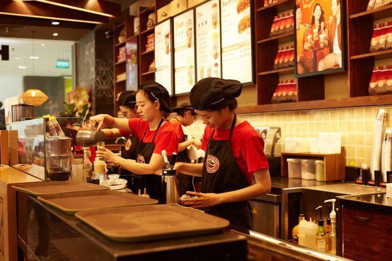 Highlands Coffee - Indochina luôn nằm top quán cafe đẹp ở Cầu Giấy