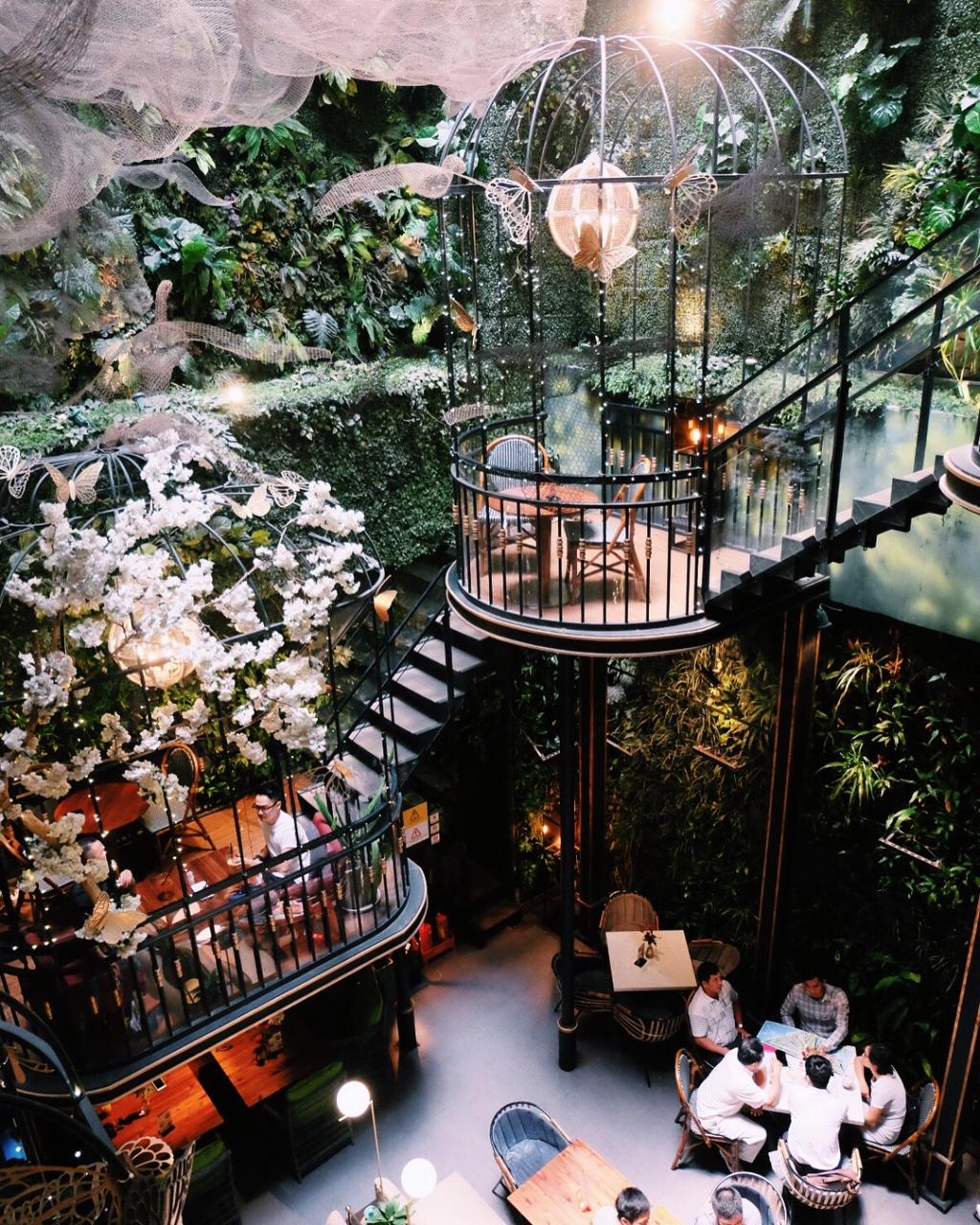 Terrace Cafe - Quán cafe lồng chim siêu đẹp tại Sài Gòn