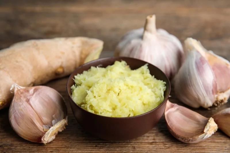 Nên thêm tỏi vào các món ăn để tăng hương vị và sức đề kháng cho cơ thể