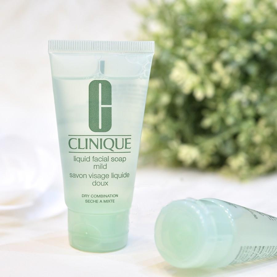 Sữa rửa mặt cho da khô và da hỗn hợp thiên khô Clinique Liquid Facial Soap Mild