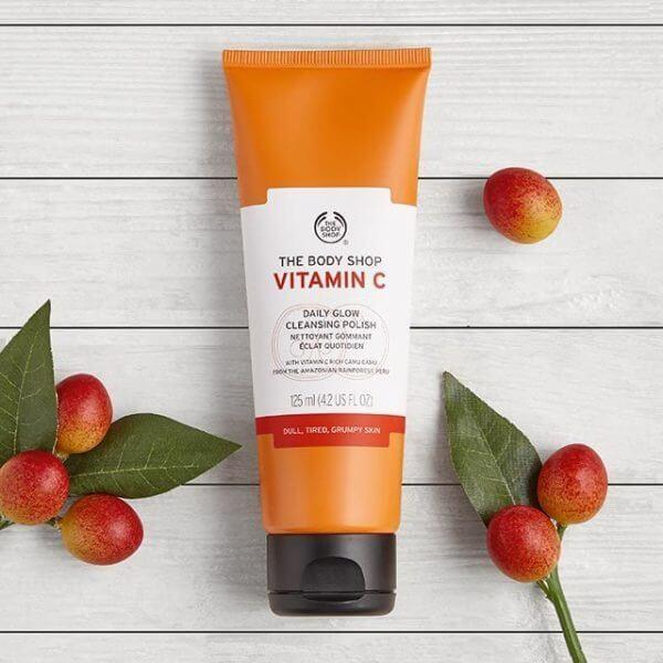 Sữa rửa mặt The Body Shop Vitamin C Facial Cleansing Polish