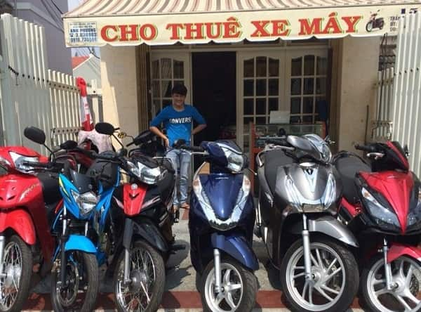 Thuê xe máy trên đường Võ Văn Kiệt