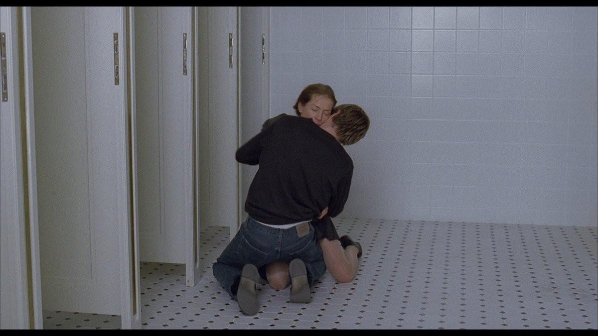 The Piano Teacher (2001) là phim 18+ đầy lôi cuốn